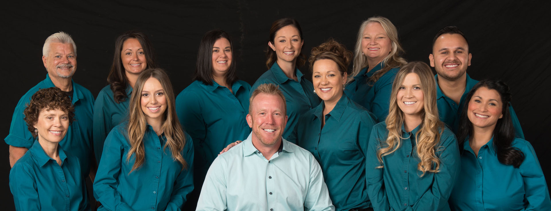 The Artisan Dental Lab team is ready to contribute to your dental health.