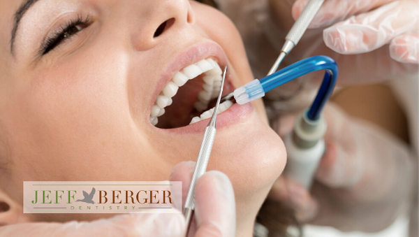 Jeff Berger provides emergency dental care in Sonora