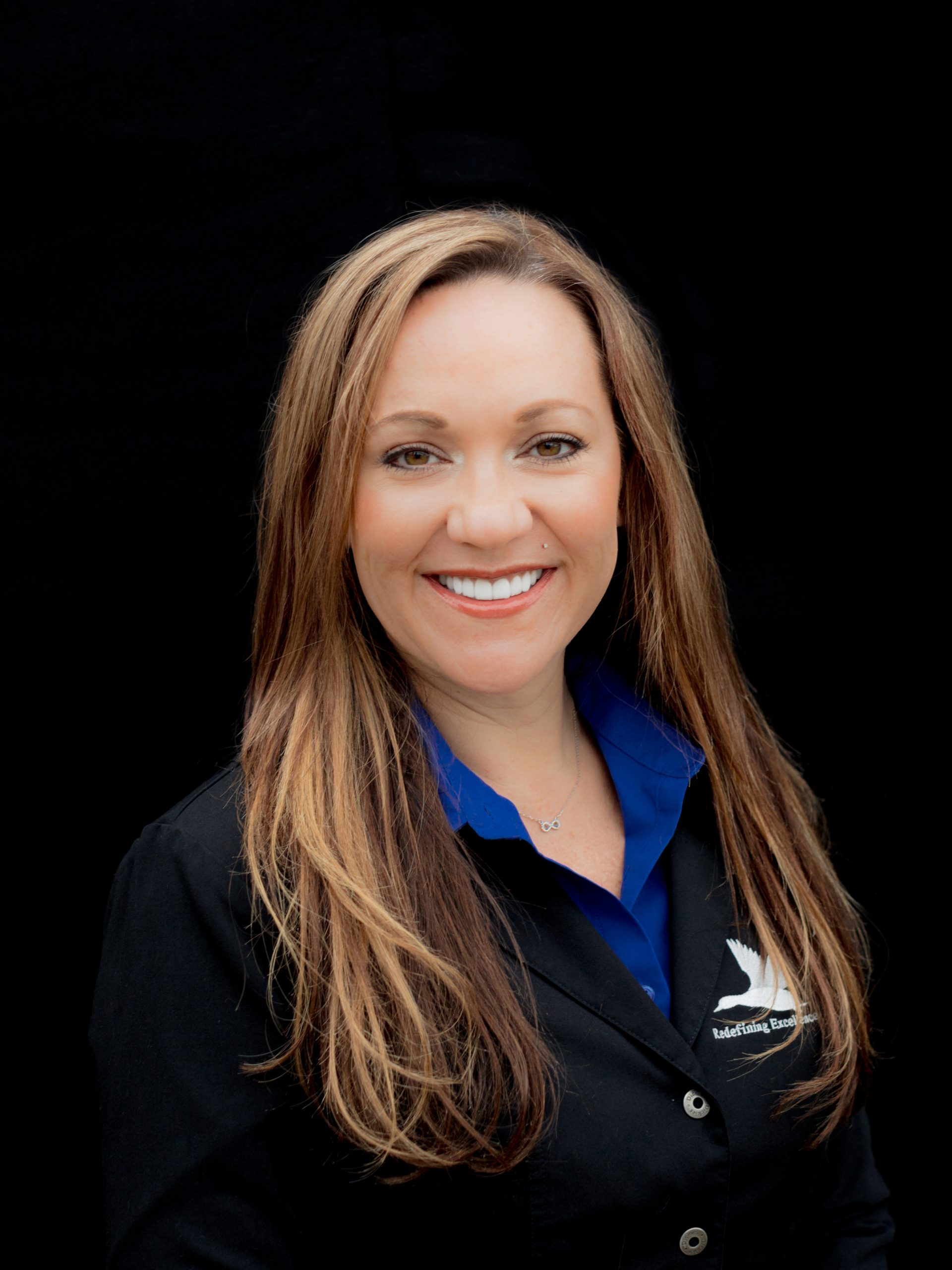 Rashele has been with the Artisan Dental Lab for over 21 years.